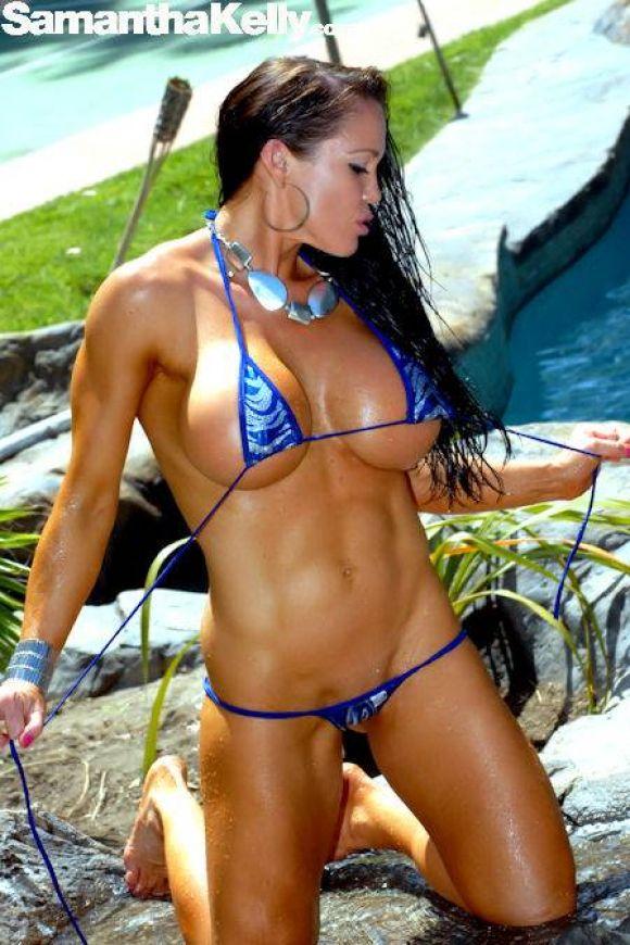 Samantha Kelly Getting Wet In Malibu