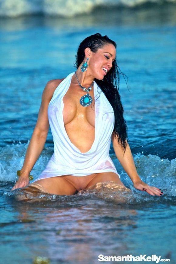 Samantha Kelly hot white wet dress