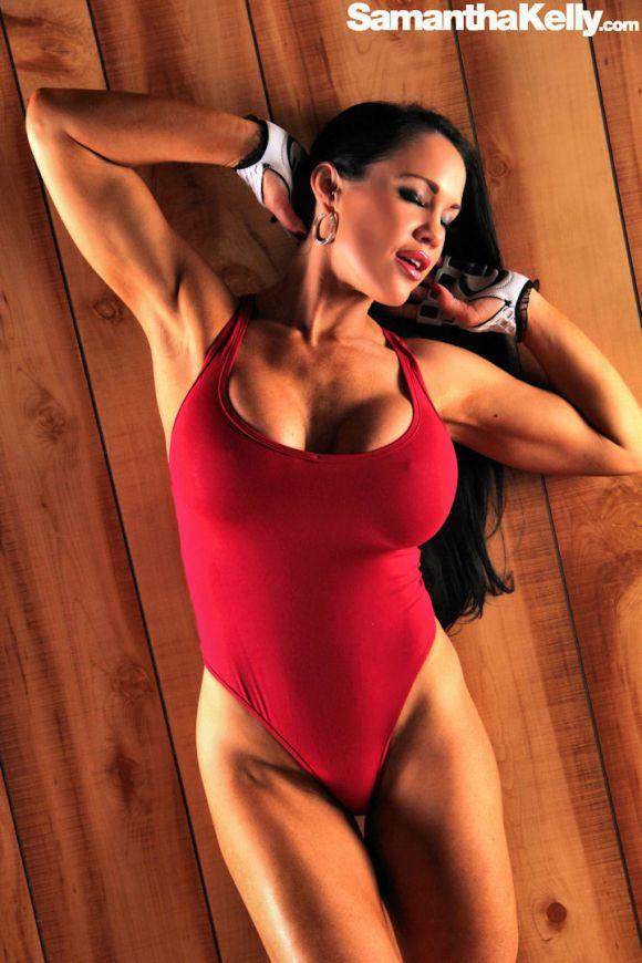 Busty fitness model Samantha Kelly in Baywatch Bikini