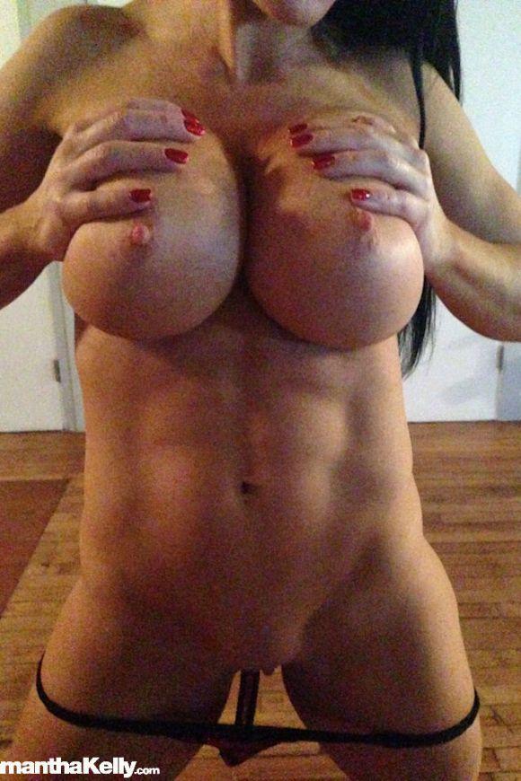 Samantha Kelly Raw Nude Candids