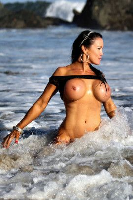 Samantha Kelly Hot Nude Beach Bunny