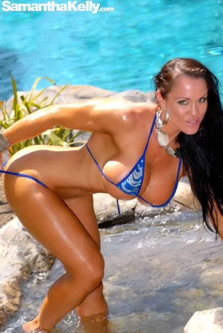 Samantha Kelly Getting Wet In Malibu thumb 1