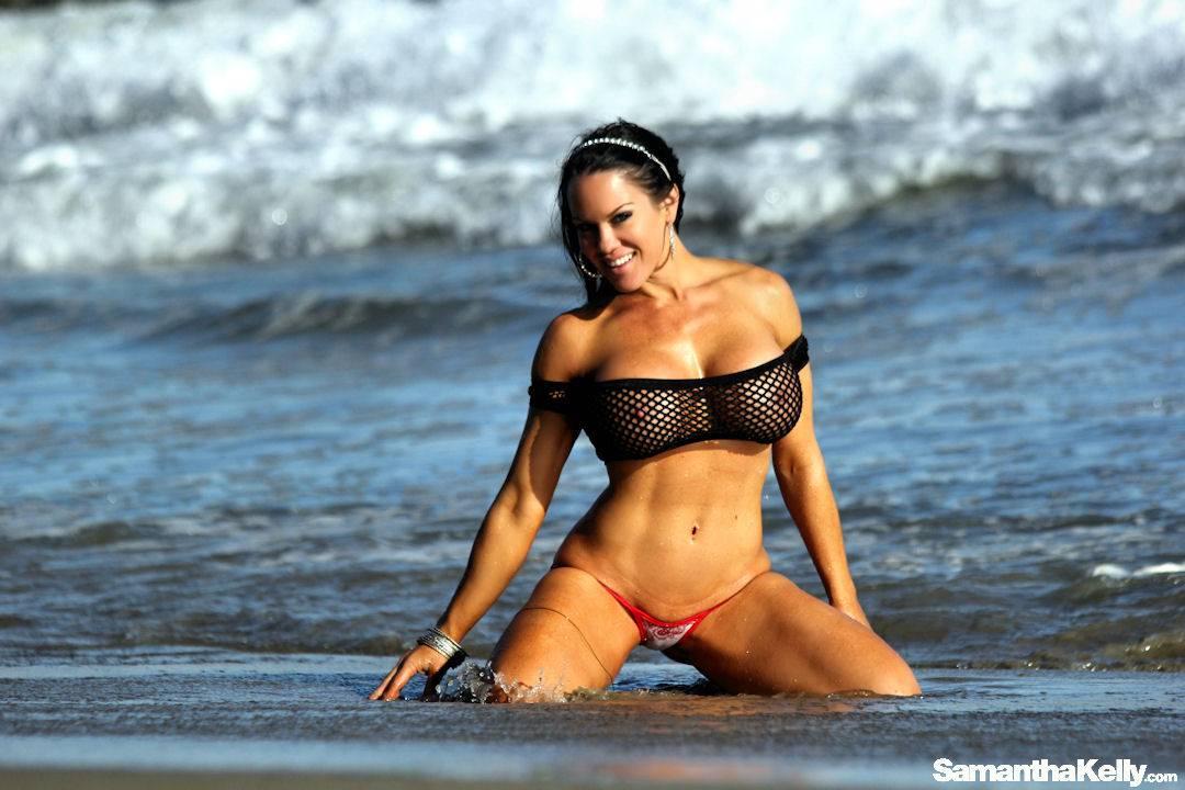 Samantha Kelly Hot Nude Beach Bunny thumb 3