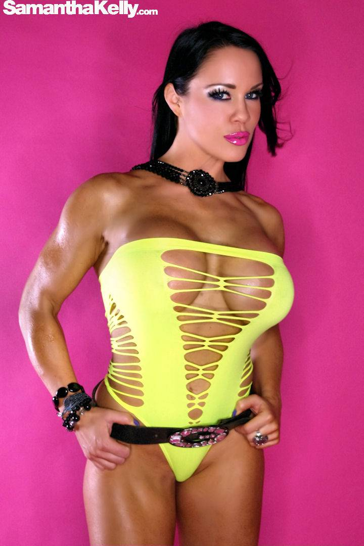 Samantha Kelly Muscle Beauty Flexing Nude thumb 3