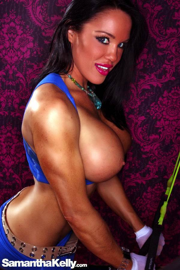 Samantha Kelly Pumping My Biceps and Triceps For You Topless thumb 1