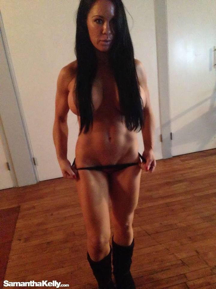 Samantha Kelly Raw Nude Candids thumb 2